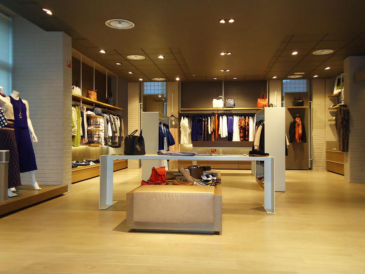 finest selection 4a0d7 cc00d Bettoni Shop - Abbigliamento donna e uomo - Endine Gaiano ...